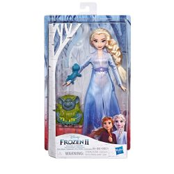 Елза, дядо Паби и саламандър от Замръзналото Кралство 2 Elsa Fashion Doll In Travel Outfit - Disney Frozen 2Hasbro E6660